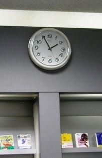 539-3 売店の時計.JPG