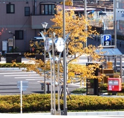 639-3 駅北口の時計.JPG
