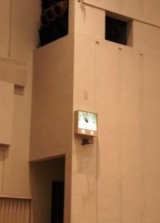 571-4 文化センターの壁の時計.JPG