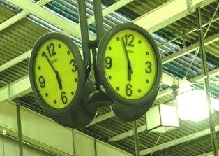 591-3 時計.JPG