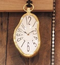 ムンクの時計?.JPG